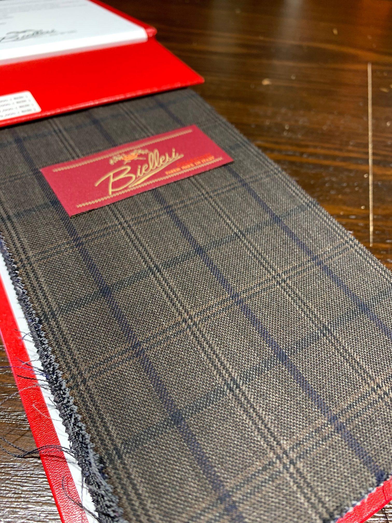 image3 3 1 e1572159305410 - オーダースーツのおススメブランド(サルトクレイスで一番売れているのは?)