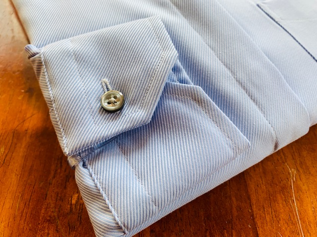 1 - シャツの抜け感 スタンドカラーシャツ