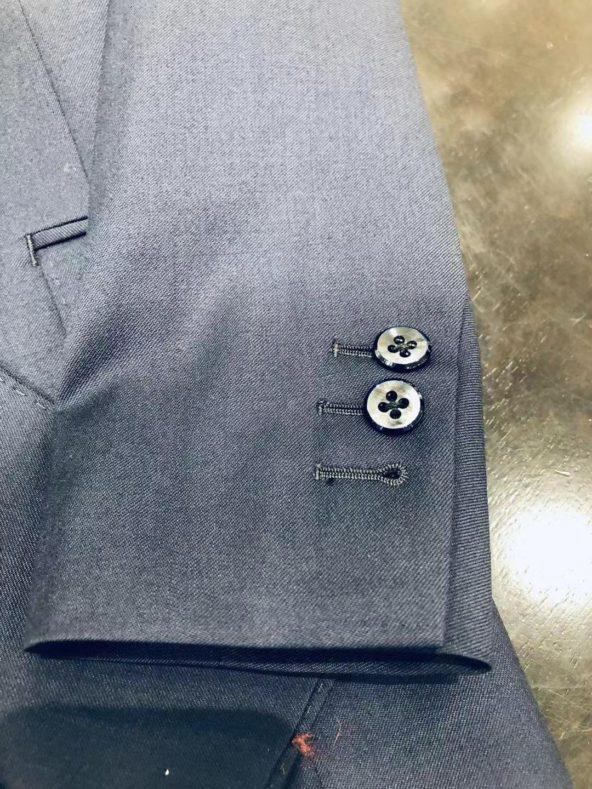 2 592x789 - 女性スタッフがオススメするダブルブレストのオーダージャケット