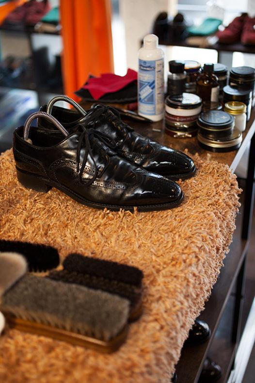 03138 72 526x789 - 谷町本店、靴磨き始めました