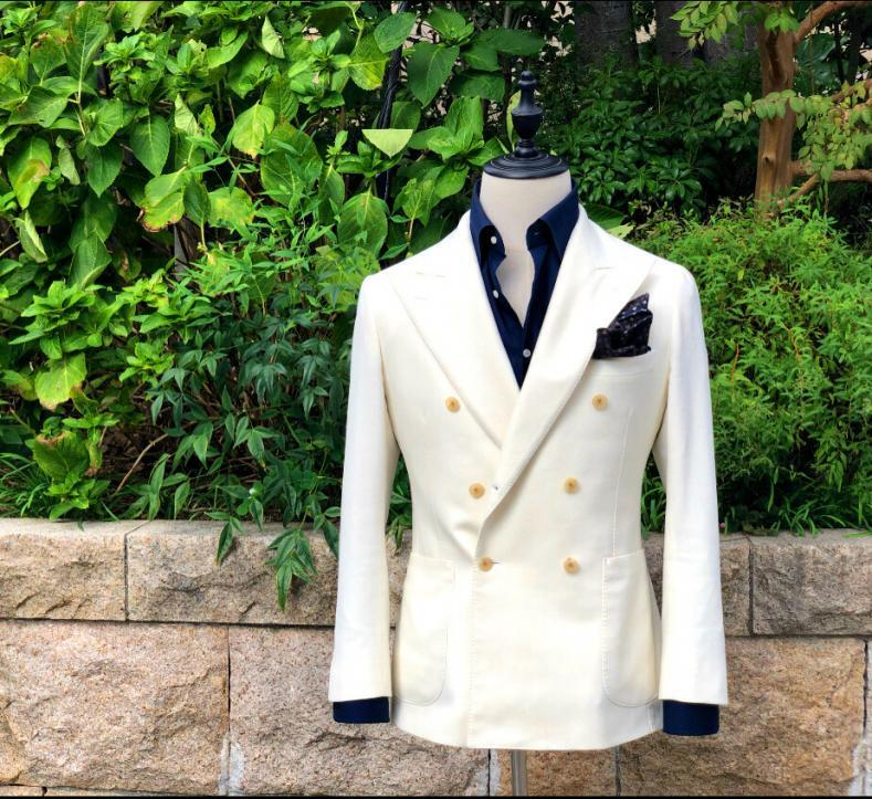 773F9BDD 6AC4 46F0 A0EC F6D73D60C92E 789x723 - 白いスーツは難しい?