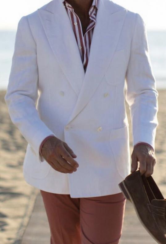 IMG 9318 1 538x789 - 白いスーツは難しい?