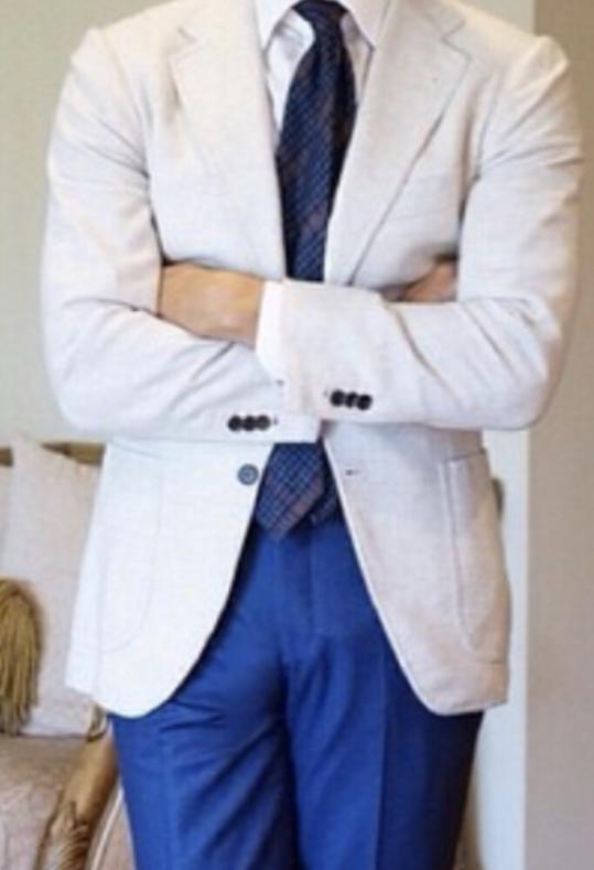 IMG 9319 539x789 - 白いスーツは難しい?