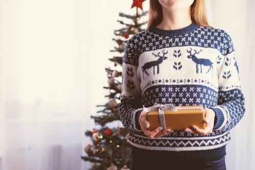 christmas 2980686 640 500x333 - 30代男性へのプレゼント、オーダーシャツギフト券とは?