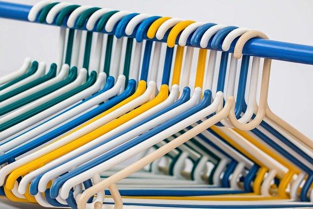 clothes hangers 582212 640 - 実は大切なハンガーの話