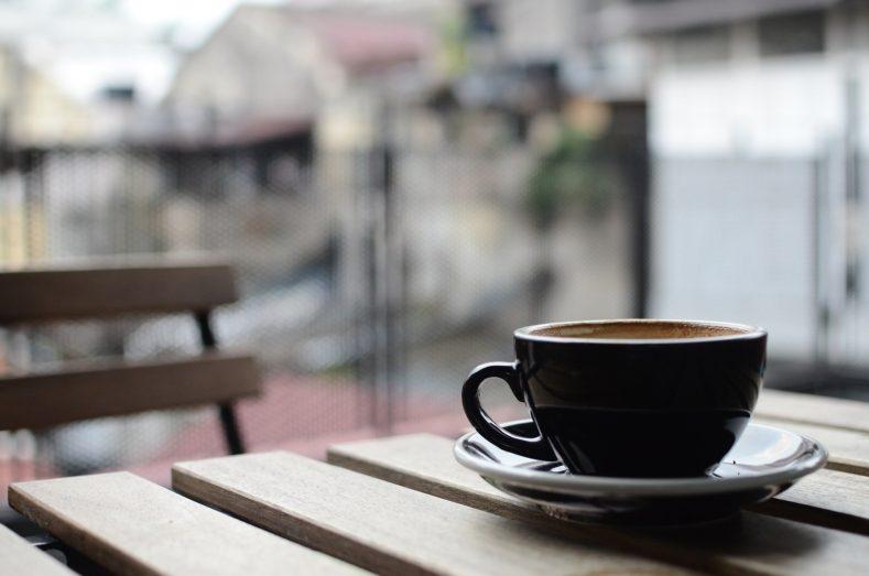coffee 690054 1920 789x523 - たそかれや松に消えこむ春の雨