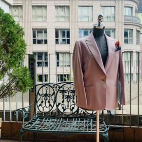image0 11 3 280x280 - 秋冬に着こなすピンクのレディーススーツ