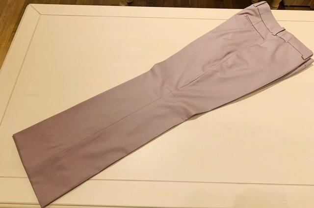 image1 3 12 - 秋冬に着こなすピンクのレディーススーツ