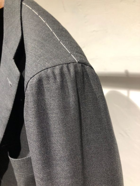 ki 592x789 - ハンドメイドのスーツを喰らう