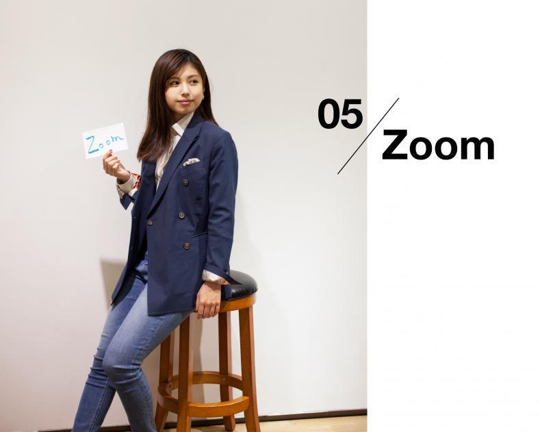 ladies scene05 zoom 789x631 - NU茶屋町店 & 梅田BREEZE店 限定ライン レディーススーツ