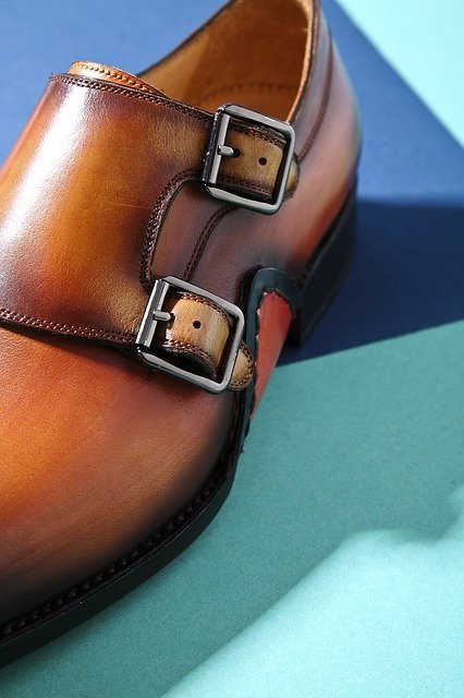 leather shoes 2530461 640 - 靴から始めるスタイリング