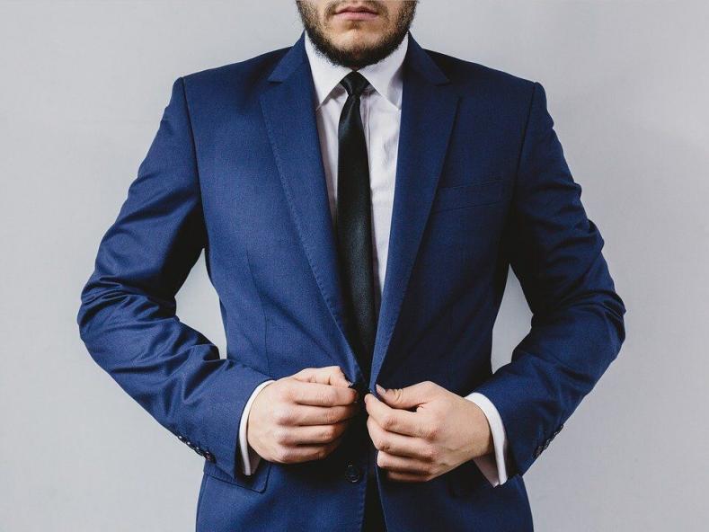 suit 2619784 960 720 789x592 - 謝罪する時のスーツはどんなの?