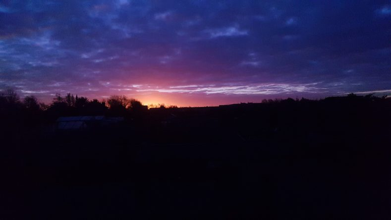 sunset 1993402 1920 789x444 - 春の夜の夢の浮橋とだえして峰に別るる横雲の空